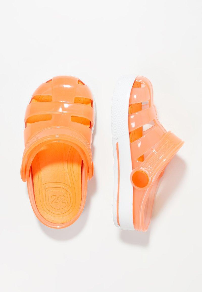IGOR - SPORT - Sandály do bazénu - orange