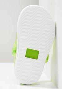 IGOR - SPORT - Sandály do bazénu - green - 5