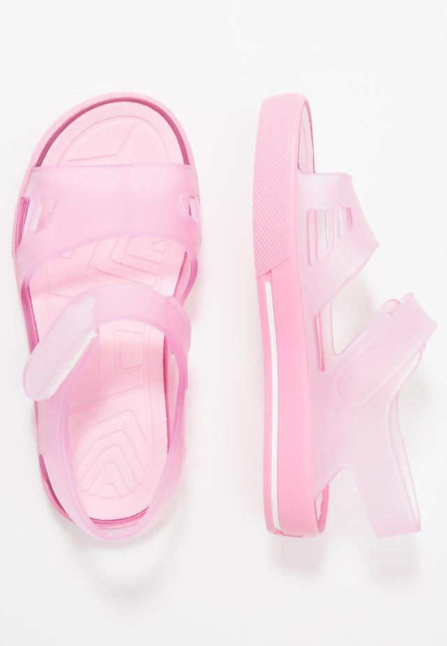 MALIBÚ - Sandály do bazénu - rosa