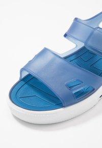IGOR - MALIBÚ - Sandály do bazénu - marino - 2
