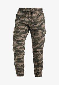 INDICODE JEANS - LEVI - Bojówki - dired camouflage - 5