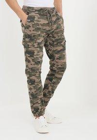 INDICODE JEANS - LEVI - Bojówki - dired camouflage - 0