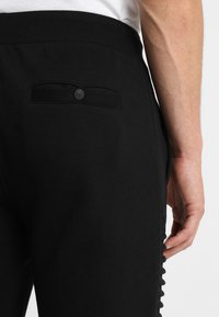 INDICODE JEANS - CRISTOBAL - Teplákové kalhoty - black - 3