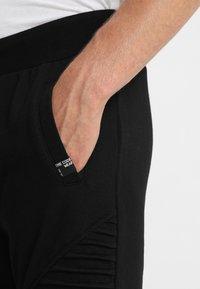 INDICODE JEANS - CRISTOBAL - Teplákové kalhoty - black - 5