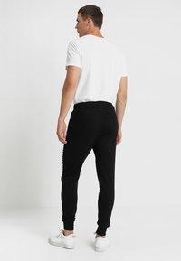 INDICODE JEANS - CRISTOBAL - Teplákové kalhoty - black - 2