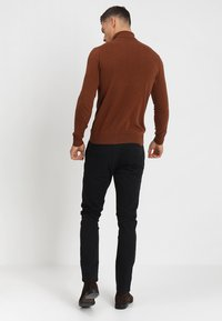 INDICODE JEANS - NELSON - Chinos - black - 2