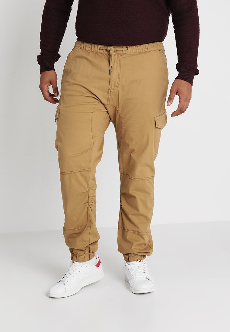 INDICODE JEANS - LEVI PLUS - Cargo trousers - amber