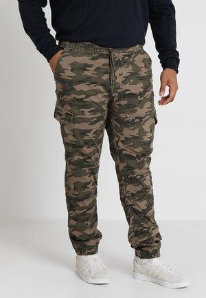 LEVI PLUS - Cargo trousers - green