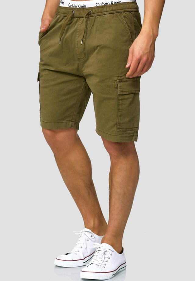 KINNAIRD - Shorts - army