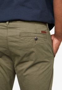 INDICODE JEANS - NELSON - Chinot - army - 5