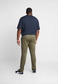 INDICODE JEANS - NELSON - Chinot - army - 2