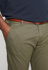 INDICODE JEANS - NELSON - Chinot - army - 3