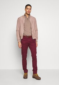 INDICODE JEANS - GOWER - Chino kalhoty - red ochre - 1