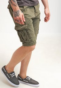 INDICODE JEANS - MONROE - Shorts - army - 3
