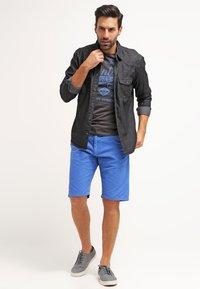 INDICODE JEANS - ROYCE - Shorts - palace blue - 1