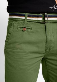 INDICODE JEANS - ROYCE - Shorts - army - 5