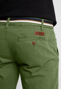 INDICODE JEANS - ROYCE - Shorts - army - 3