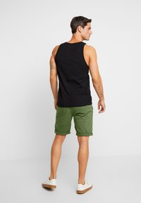 INDICODE JEANS - ROYCE - Shorts - army - 2