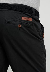 INDICODE JEANS - CONER - Shorts - black - 5