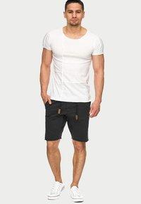 INDICODE JEANS - CARVER - Denim shorts - black - 1