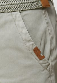 INDICODE JEANS - CASUAL FIT - Shorts - light grey - 3