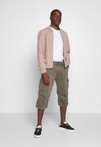 INDICODE JEANS - NICOLAS - Shorts - grey - 1