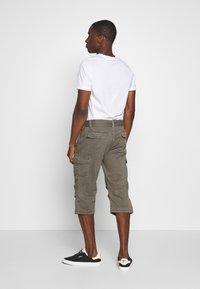 INDICODE JEANS - NICOLAS - Shorts - grey - 2