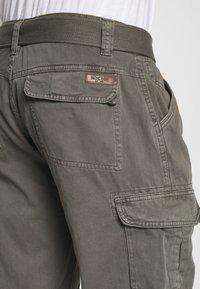 INDICODE JEANS - NICOLAS - Shorts - grey - 5