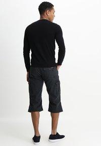INDICODE JEANS - NICOLAS - Shorts - black - 2