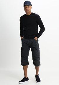 INDICODE JEANS - NICOLAS - Shorts - black - 1