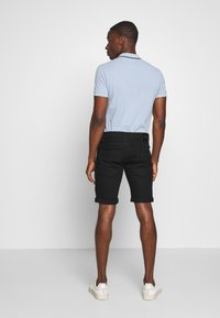 INDICODE JEANS - KADEN - Denim shorts - ultra black - 2