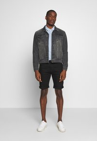 INDICODE JEANS - KADEN - Denim shorts - ultra black - 1