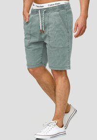 INDICODE JEANS - Shorts - blue surf - 0