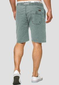 INDICODE JEANS - Shorts - blue surf - 2