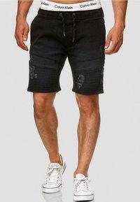 INDICODE JEANS - MIT ELASTISC - Denim shorts - black - 0