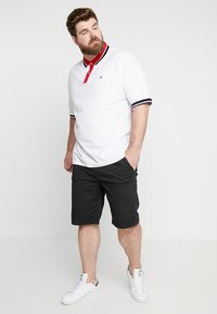 INDICODE JEANS - DEPTFORD PLUS - Shorts - black - 1