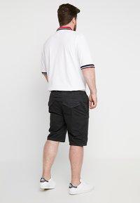 INDICODE JEANS - DEPTFORD PLUS - Shorts - black - 2