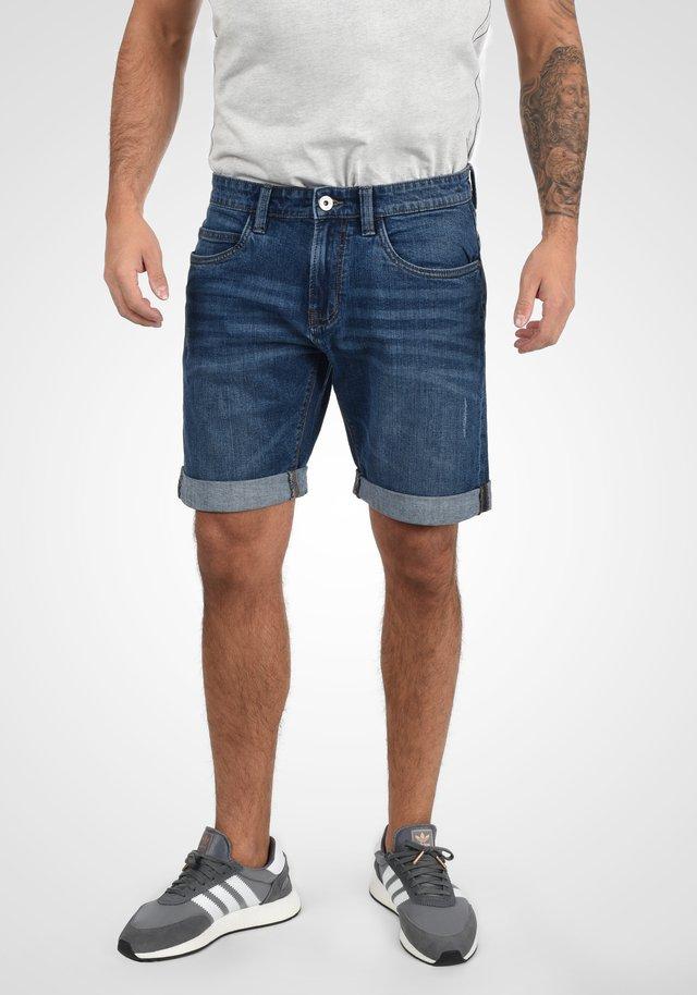 QUENTIN - Denim shorts - blue