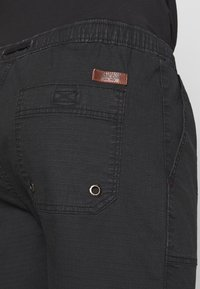 INDICODE JEANS - THISTED - Shorts - black - 3