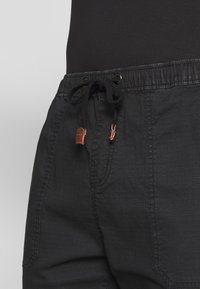 INDICODE JEANS - THISTED - Shorts - black - 5