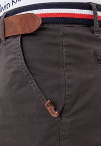 INDICODE JEANS - Shorts - anthracite - 4