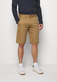 INDICODE JEANS - EXCLUSIVE STELLAN 2 PACK - Shorts - black / amber - 1