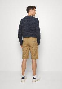 INDICODE JEANS - EXCLUSIVE STELLAN 2 PACK - Shorts - black / amber - 2