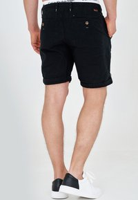 INDICODE JEANS - Shorts - black - 2