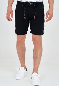 INDICODE JEANS - Shorts - black - 0
