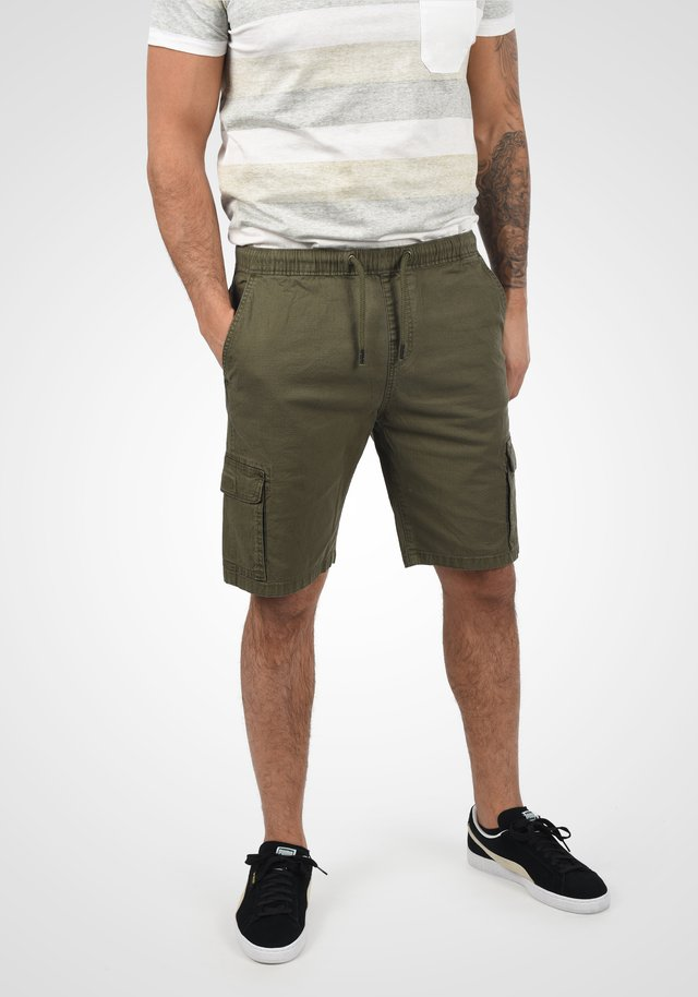 FRANCES - Shorts - army