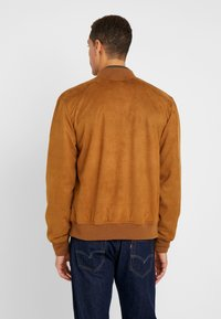 INDICODE JEANS - FORT WAYNE - Faux leather jacket - camel - 2