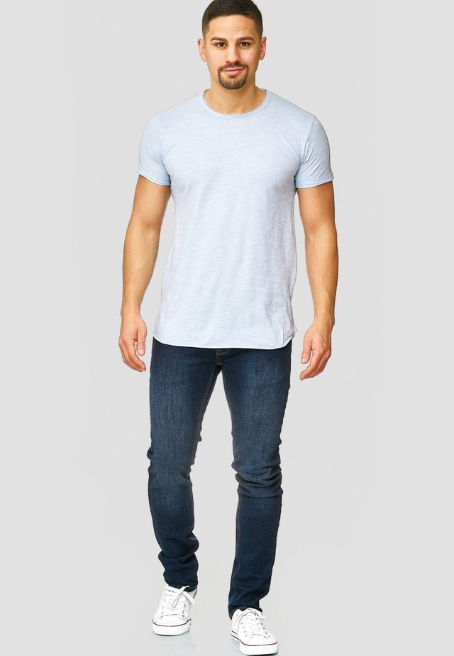 WILBUR - Print T-shirt - sky way