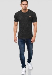 INDICODE JEANS - Print T-shirt - black - 1
