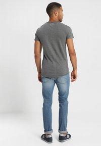 INDICODE JEANS - ALAIN - Basic T-shirt - pewter - 2